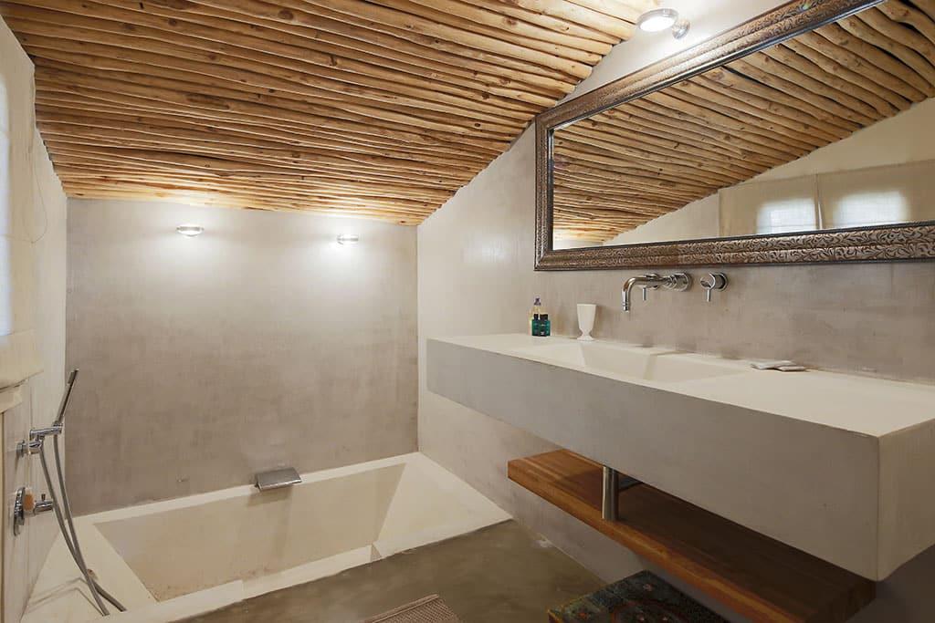 Salle de bain bis commune aux 2 chambres