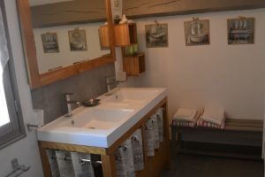 Salle de douche étage