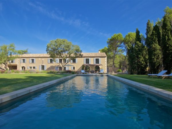 location villa luxe piscine alpilles piscine