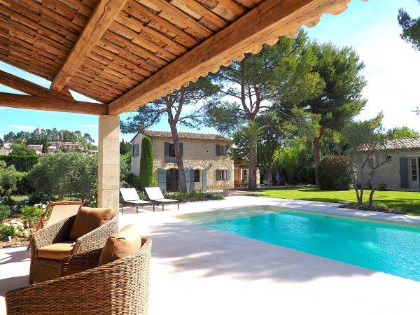 location villa vacances piscine alpilles eygalières