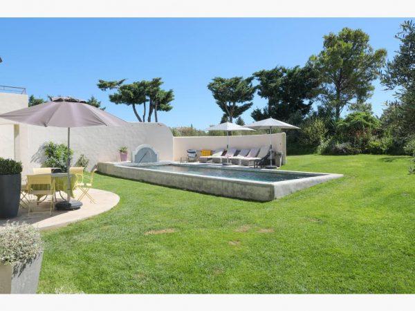 location vacances villa piscine fontvieille