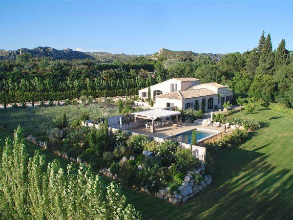 Location de villa de vacances avec piscine à maussane les Alpilles en Provence.