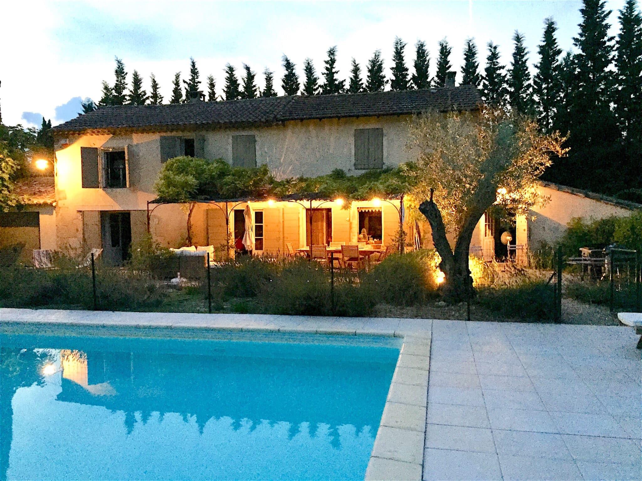 location saisonniere villa vacances piscine saint remy alpilles
