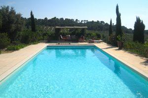 location saisonniere vacances piscine maussane alpilles