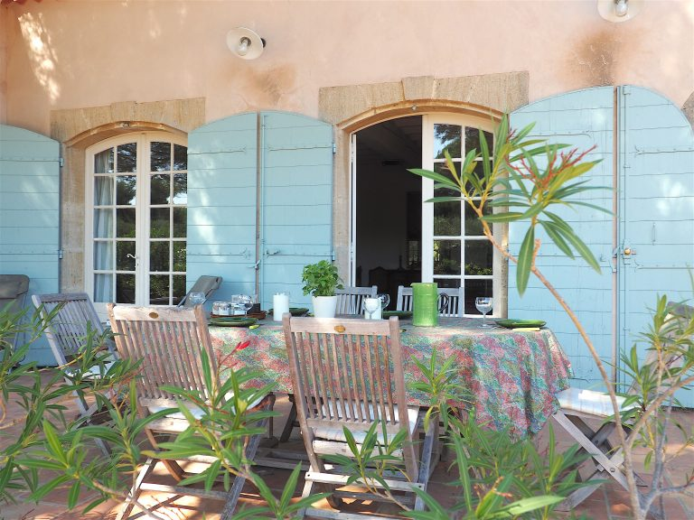 villa location alpilles terrasse