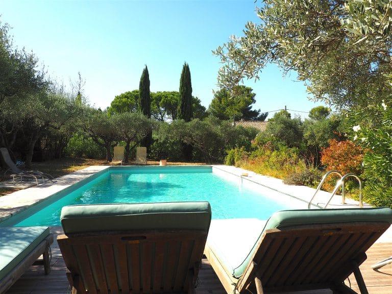 villa vacances alpilles piscine