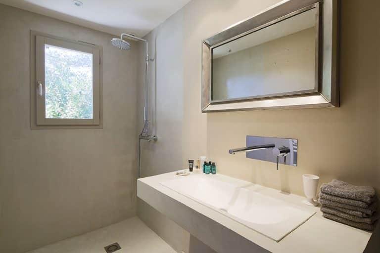 location saisonnière st rémy salle bain