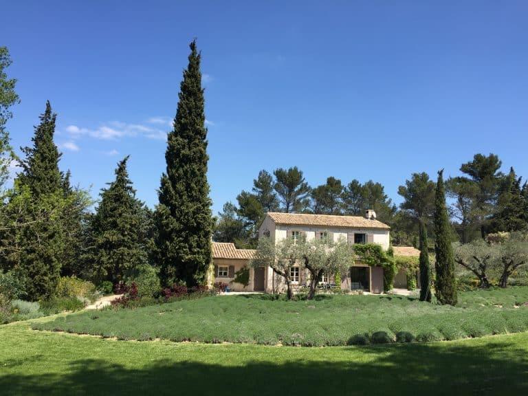 location vacances villa alpilles