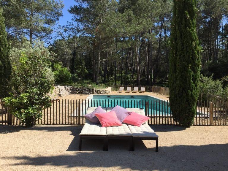 location saisonnière provence piscine