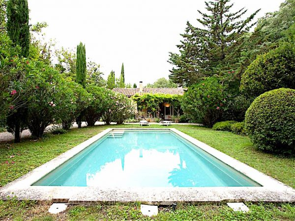 location-villa-vacances-saint-remy-provence-piscine14