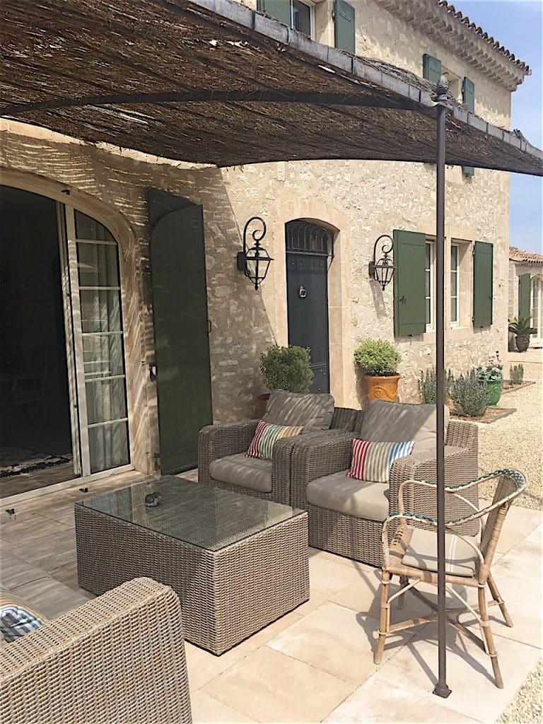 propriété vacances alpilles terrasse