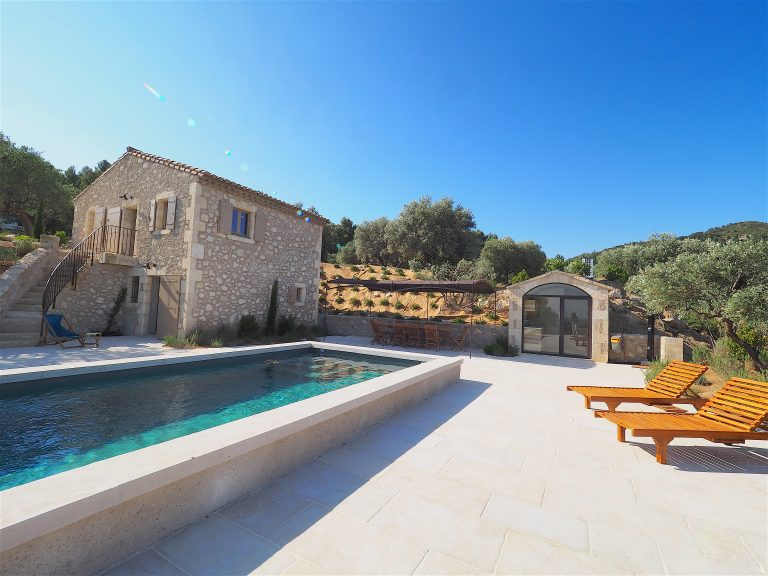 location charme baux provence