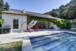 location-villa-vacances-piscine-baux-provence13