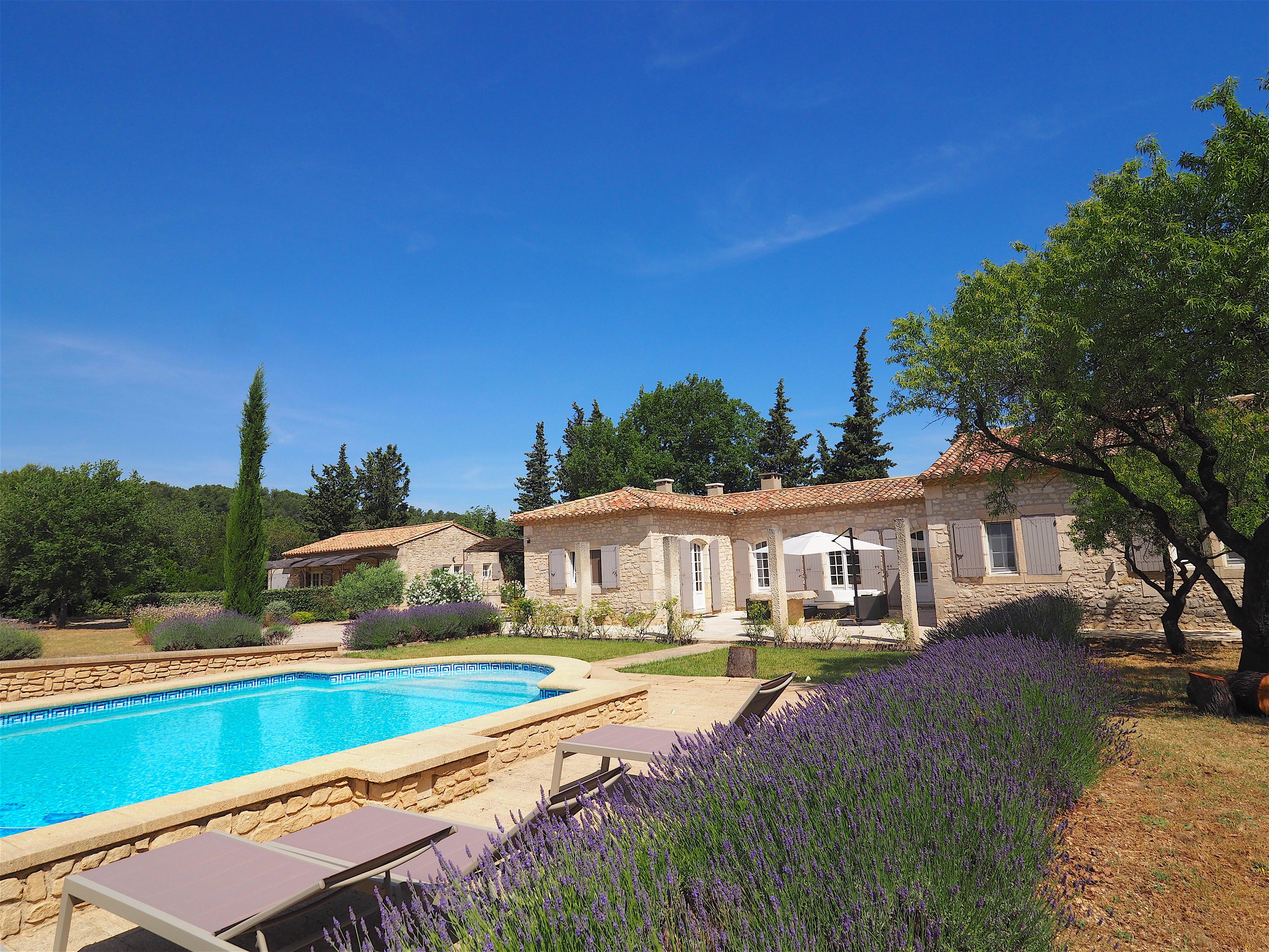 location villa vacances piscine Eygalières