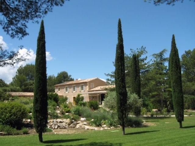 location vacances villa eygalieres alpilles