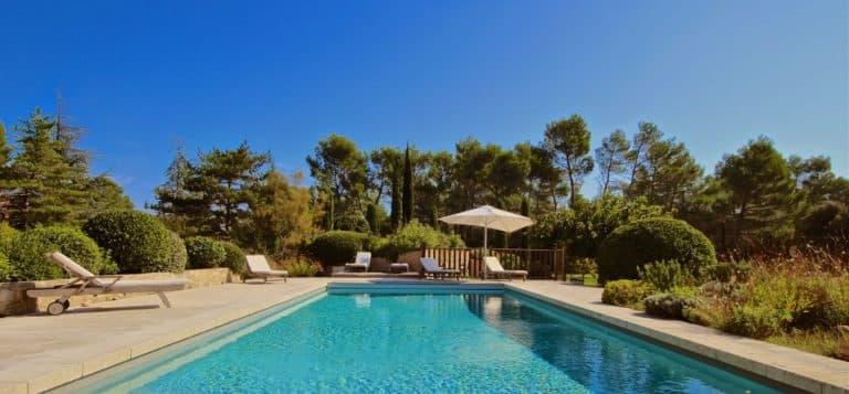 location villa luxe vacances eygalieres piscine