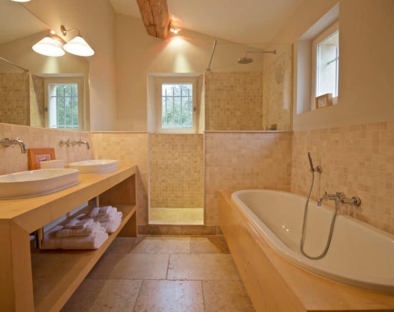 location villa luxe vacances eygalieres salle de bain