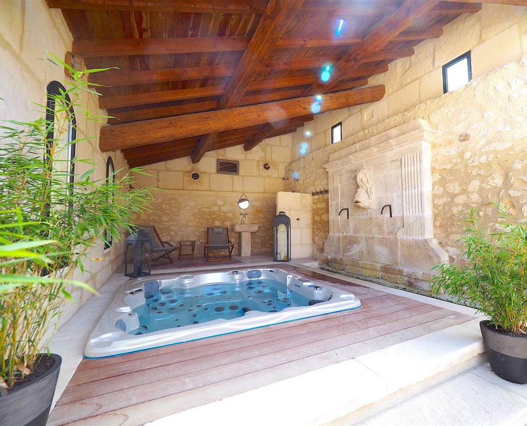 location saisonniere alpilles piscine jacuzzi