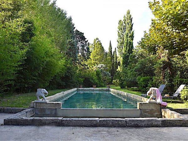 villa piscine vacnces eygalieres