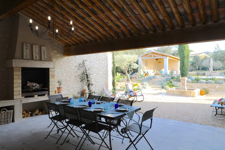 luxury property rentals holiday provence