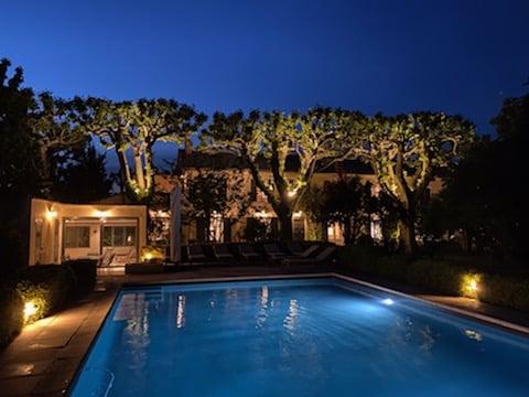 maison vacances provence piscine