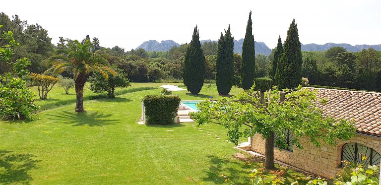 villa vacances luxe eygalières