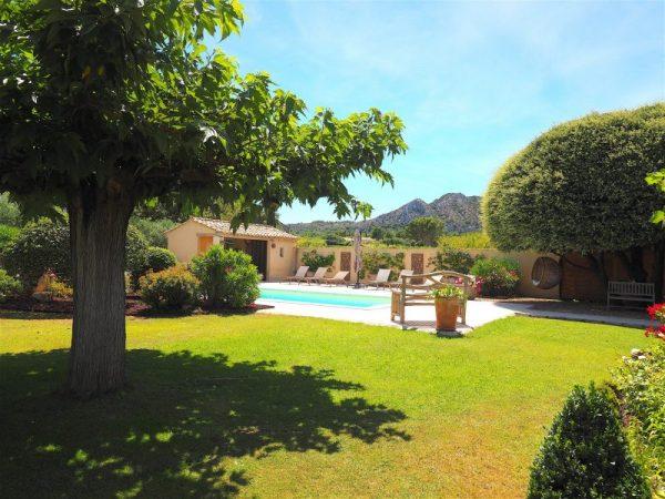 villa vacances piscine alpilles