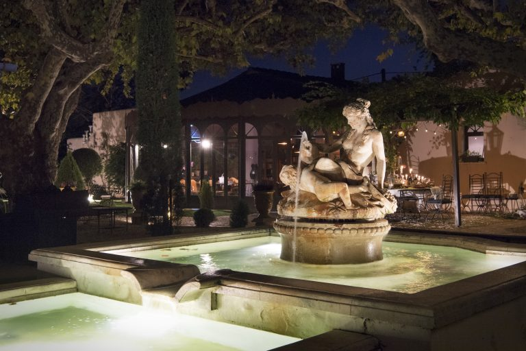location luxe provence alpilles