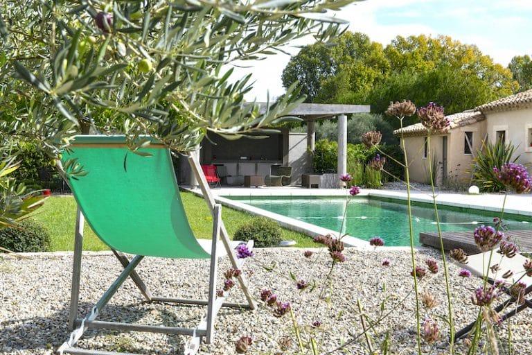 alpilles hebergement vacances piscine