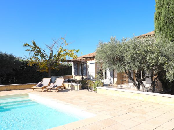 location saisonniere eygalieres piscine provence10