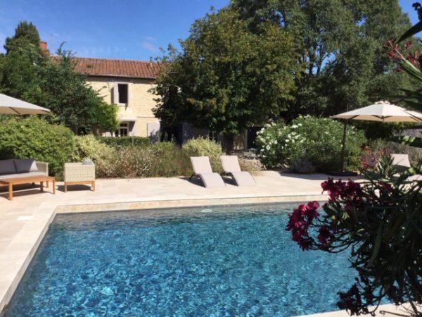 maison vacances piscine alpilles